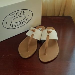 New in box Steve Madden Olivia leather sandals sz